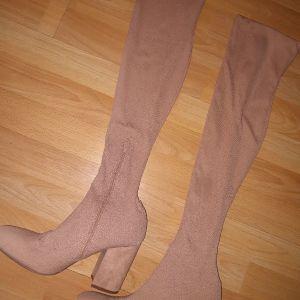 ολοκαίνουρια μπότα κάλτσα!!