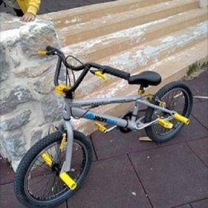 πωλείται  ή ανταλλάσσεται ποδηλατο bmx με μικρότερο των 20 ιντσών