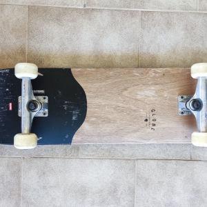 Skateboard Globe Complete