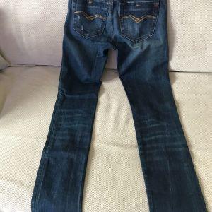 Επωνυμα jeans