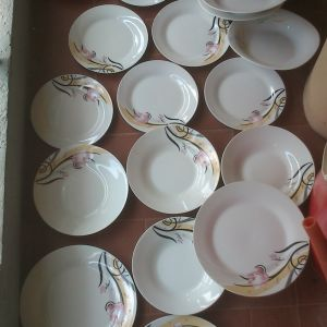 16 πιάτα