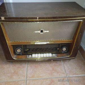 Vintage Ραδιόφωνο STASSFURT 700. Τιμή 85 ευρώ.