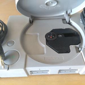 PlayStation I ατσιπαριστο + δύο χειριστήρια σε καλή κατάσταση..