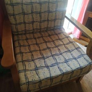 Πωλούνται 2 πολυθρόνες και 1 καναπές