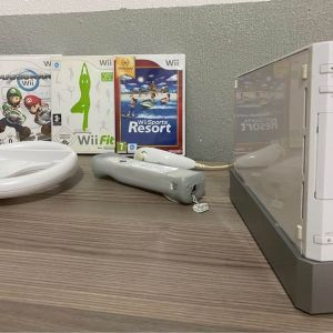Nintendo Wii White Console+ Games+Wii Board