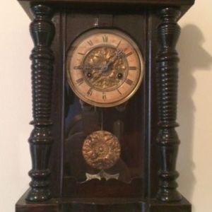 Ρολόι τοίχου προπολεμικό