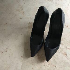 Παπούτσια γόβες GuCCI