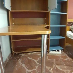 Γραφείο-βιβλιοθήκη