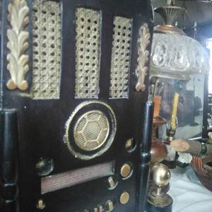 Ραδιόφωνο εποχής ύψος 65 χ40...εκ....περιπου
