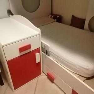 Πολυμορφικη κούνια με αλλαξιερα που μετατρέπεται σε προεφηβικο κρεβάτι με κομοδίνο συρτάρι ντουλάπι