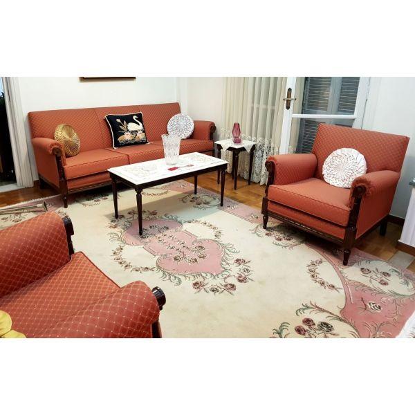 saloni (kanapes, polithrones, karekles, trapezakia)