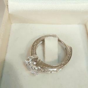 Δαχτυλιδι ασημενιο 9.25,μονοπετρο με princess cut ζιργκον