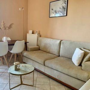 Σαλόνι σετ τριθέσιος & διθέσιος καναπές συν 2 τετράγωνα χαμηλά σκαμπό