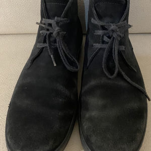 extremely gorgeous extravagant elegant unique genuinely boots by Tods unisex size 6.5