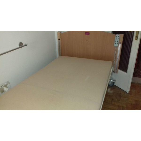 nosokomiako ilektriko krevati.