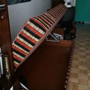 Καναπές μπαούλο.