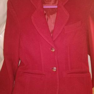 Σακάκι μάλλινο ζεστό S νούμερο μπορντό χρώμα.