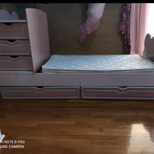 Πολυμορφικη κουνια κρεβάτι μαζί με στρώμα και συρταριερα