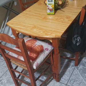 Τραπέζι κουζίνας ξύλινο, όχι ΙΚΕΑ (Δώρο 3 καρέκλες)