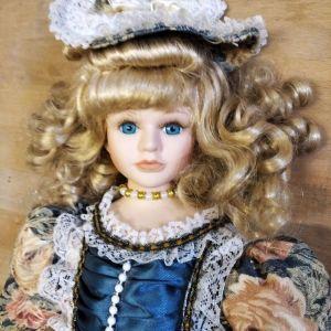 Κούκλα απο πορσελάνη