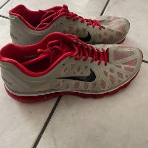 Αθλητικά παπούτσια τύπου AirMax μέγεθος 42