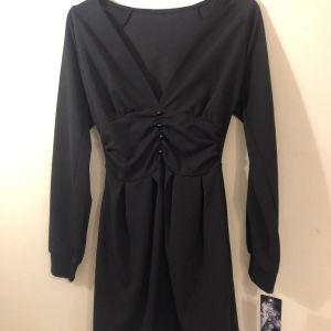 Μαύρο φόρεμα M-L