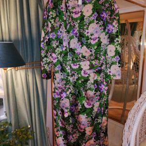 Κομψό καινούργιο φόρεμα  SHEIN L νούμερο