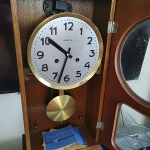 Ρολόι τοίχου ξύλινο.