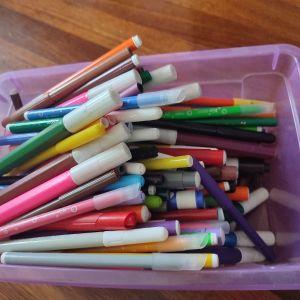 100 μαρκαδόροι όλων των χρωμάτων