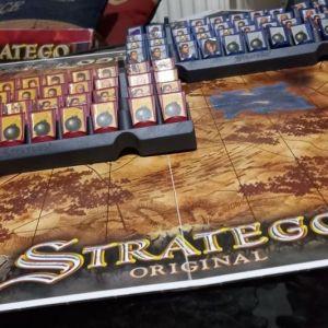 επιτραπεζιο παιχνιδι stratego new version!