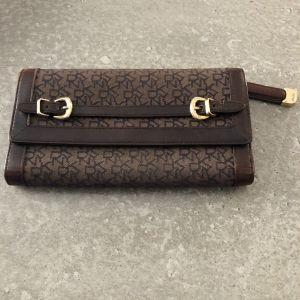 Donna Karan πορτοφόλι
