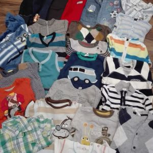 Θα πουλήσω ρούχα για αγοράκι 9-12 μηνών!!!!!!!!