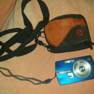 OLYMPUS ψηφιακή φωτογραφική μηχανή με τη θήκη της