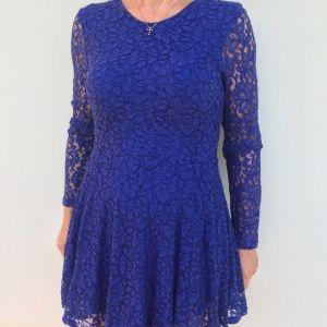 Φόρεμα μπλε δαντέλα