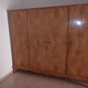 Ντουλάπα παλαιά 4φυλλη με σχέδιο ρίζα ελιάς