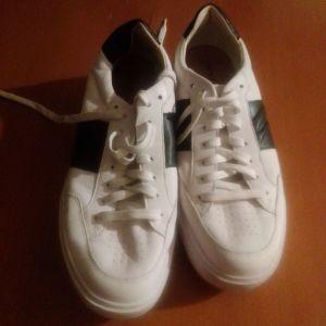 Αθλητικά παπούτσια ανδρικά Geox 43 νούμερο έχουν φορεθεί μόνο για δοκιμή πραγματική ευκαιρία