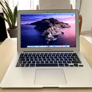 Apple MacBook Air (13-inch, Early 2015),  Intel Core I5, 4Gb, 128Gb SSD.