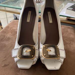 Γόβες καινούριες Zara δερμάτινες μέγεθος 41