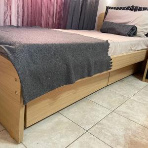 Κρεβάτι μονό με συρτάρια