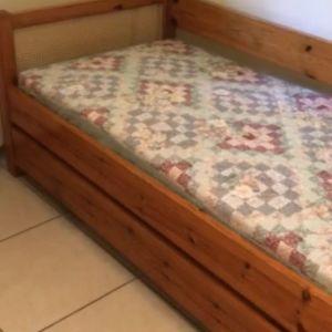 Δυο μονά κρεβάτια