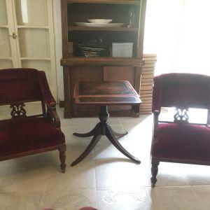 Σετ τραπέζι με δυο πολυθρόνες