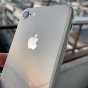 iPhone 8 64gb silver σαν καινούργιο