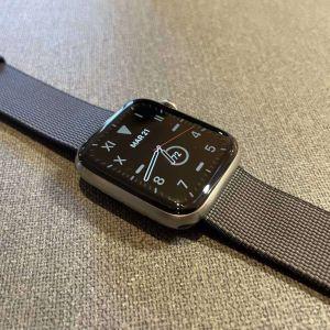 Κυτταρικό τιτάνιο Apple Watch 5 / 44mm