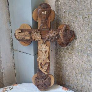 Σταυρός ξύλινος απο Ιεροσόλυμα. Παλαιός ετος 1980.Διαστ.30 × 20,5 εκ.Αθηνα.Ανω Πατήσια.