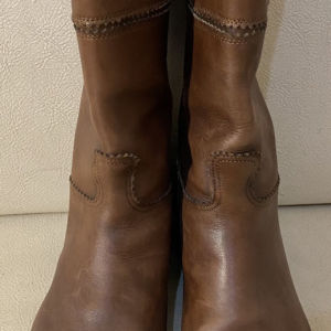 extremely gorgeous genuinely leather boots by sartore made in Italy size 39 in excellent condition