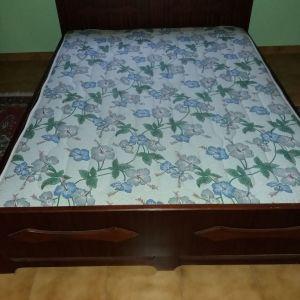 Κρεβάτι ξύλινο διπλό με στρώμα