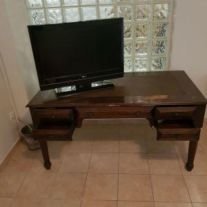 γραφείο ξύλινο