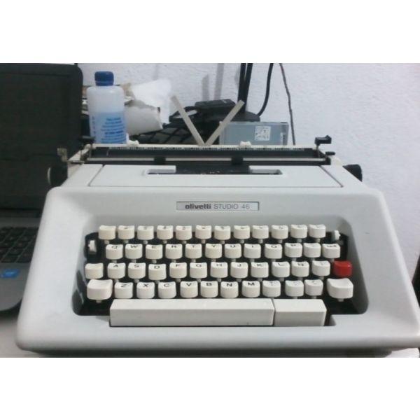 Vintage Typewriter -foriti grafomichani olivetti STUDIO 46 (sfragisti!)