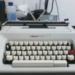 Vintage Typewriter -Φορητή γραφομηχανή olivetti STUDIO 46 (σφραγιστή!)