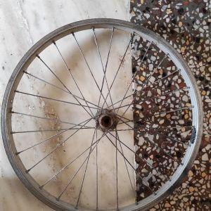 Ροδα ποδηλάτου μικρή vintage